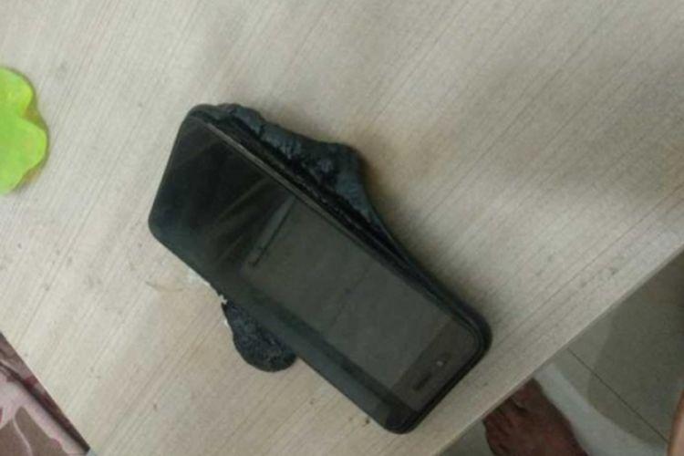 Bagian depan Xiaomi  Mi A1 yang dilaporkan meledak