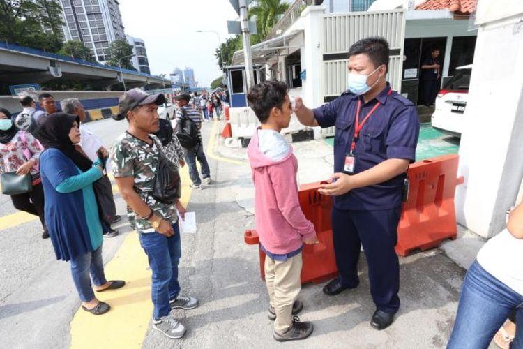 KBRI di Kuala Lumpur mengaku sudah membantu beberapa urusan pekerja migran asal Indonesia, termasuk yang tak miliki dokumen.