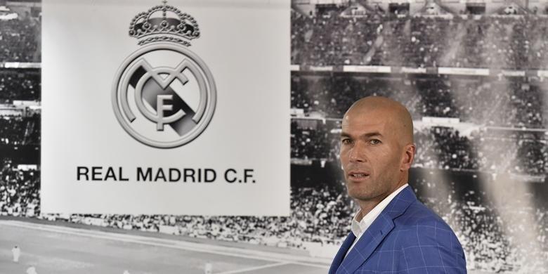 Zinedine Zidane diumumkan sebagai pelatih tim utama Real Madrid untuk menggantikan Rafael Benitez, Senin (4/12/2016).