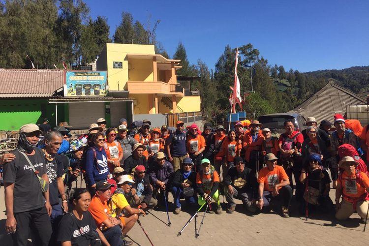 Tim Jejak Pendaki Semeru Siap Mendaki Mahameru