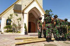 Jelang Natal, TNI dan Polri Membantu Membersihkan Gereja di Jember