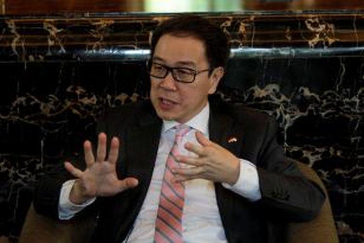 Presiden Direktur PT Astra International Tbk, Prijono Sugiarto saat sesi wawancara khusus dengan Kompas.com di Jakarta, Kamis (28/5/2015). Ia pernah menerima penghargaan Asia Business Leader of The Year Award 2014 pada Asia Business Leaders Awards (ABLA) yang diselenggarakan CNBC di Singapura.