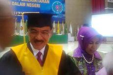 Mendagri Gamawan Fauzi Raih Gelar Doktor dengan Disertasi Pilkada yang Koruptif