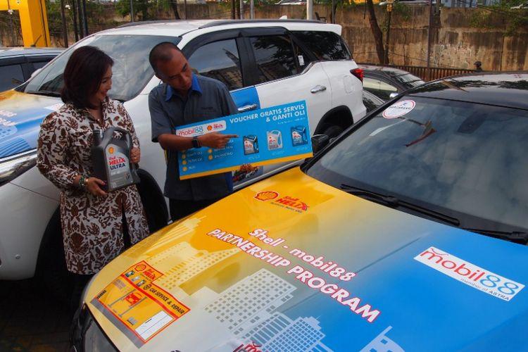 Shell Lubricants Indonesia menjalin kerja sama dengan diler mobil seken, mobil88, untuk layanan purna jual konsumen, Senin (18/12/2017).