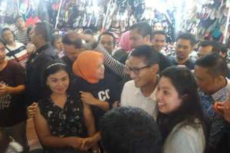 Sandiaga mendatangi pusat perbelanjaan modern di ITC Mangga Dua, Jakarta Utara, Kamis (3/11/2016)