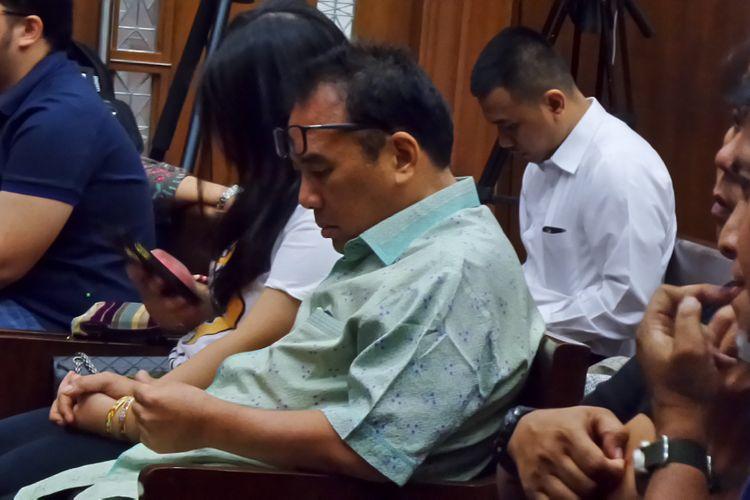 Basuki Hariman seusai mengikuti sidang pembacaan putusan di Pengadilan Tipikor Jakarta, Senin (28/8/2017). Basuki divonis 7 tahun penjara dan denda Rp 400 juta subsider 3 bulan kurungan, karena terbukti menyuap Hakim Patrialis Akbar.