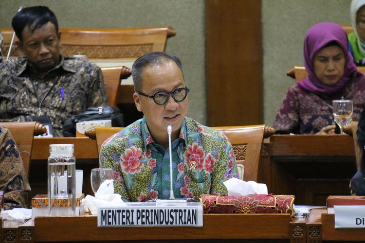 Menteri Perindustrian (Menperin) Agus Gumiwang Kartasasmita memberikan penjelasan di Rapat Dengar Pendapat (RDP) di DPR, Jakarta, Rabu (11/12/2019).