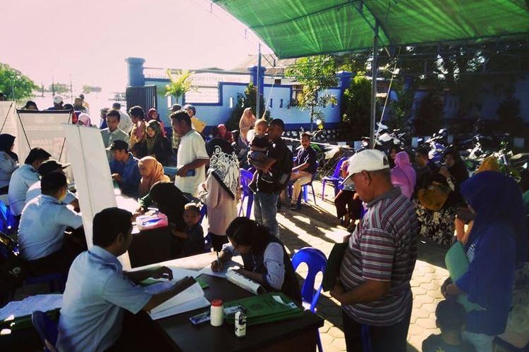 Foto Dok Kantor Imigrasi Nunukan.Kontor Imigrasi Kabupaten Nunukan Kalimantan Utara memberikan layanan pengurusan passport langsung jadi dalam kegiatan Immigration Border Service Empaty bagi warga yang berdomisili di wilayah perbatasan.