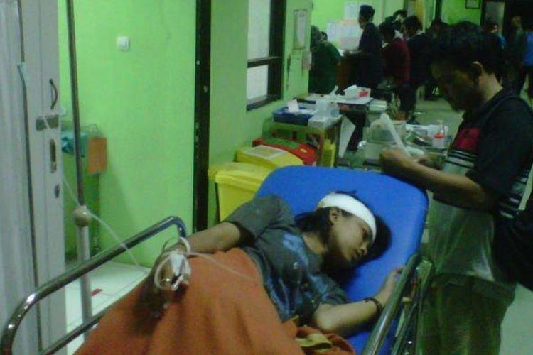 Bus Mgi Tabrak Warung Dan Sepeda Motor Di Sukabumi 5 Orang Dievakuasi Ke Rumah Sakit