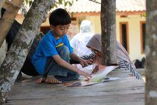 Panggilan Hati demi Literasi, Munawir Syahidi Bangun Taman Baca Masyarakat