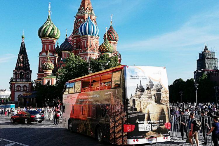 Dua unit Open Great Bus dengan desain destinasi pariwisata Bali dan Borobudur berlogo Wonderful Indonesia dan Asian Games 2018 telah mengelilingi Kota Moscow pada 1-20 Juni 2018.