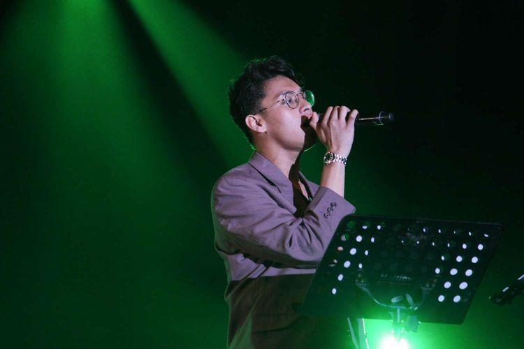 Lirik dan Chord Lagu Di Senayan dari Ardhito Pramono