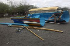 Perahu Patah karena Ombak Besar Pantai Selatan, Satu Nelayan Terluka