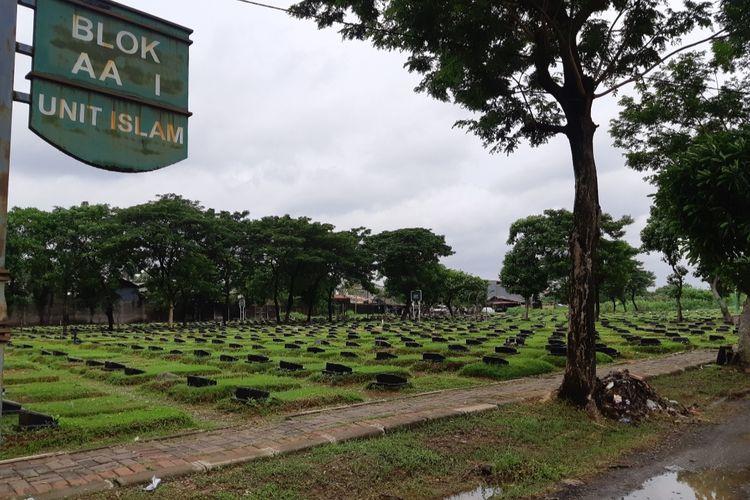 Pemakaman di TPU Tegal Alur, Kalideres, Jakarta Barat