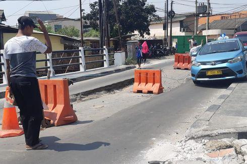 Jalan Kamal Raya Ditutup Selama Perbaikan Jembatan Ambles pada 29 Juli-10 Oktober