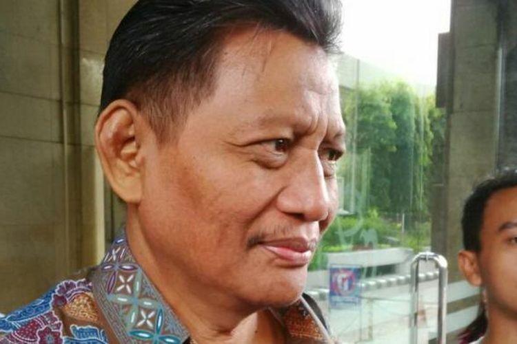 Ketua Bantuan Hukum FPI Sugito Atmo Pawiro mendampingi pemeriksaan saksi ahli yang diajukan FPI di Bareskrim Polri, Jakarta, Kamis (3/11/2016).