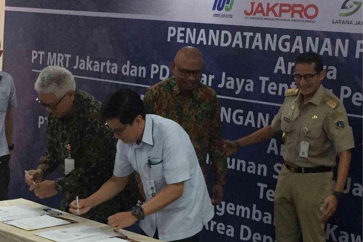 Empat BUMD tersebut adalah PT MRT Jakarta, PT Jakarta Propertindo, PD Pasar Jaya, dan PD Pembangunan Sarana Jaya. Penandatanganan dilakukakan di Gedung Wisma Nusantara, Jakarta Pusat, Selasa (31/7/2018).