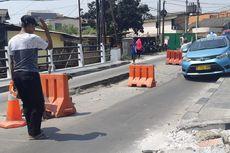 Jalan Ambles di Tegal Alur Sudah Satu Bulan Tak Diperbaiki