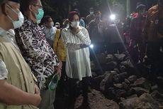 Tinjau Jembatan Putus di Magetan, Risma Minta Penanganan Banjir Surabaya Ditiru