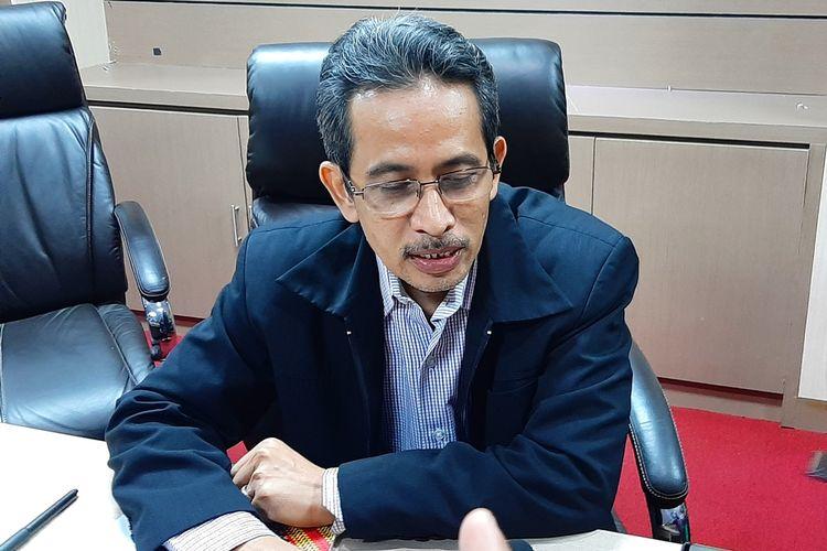 Abdul Aziz saat menemui wartawan usai jumpa pers di Pascasarjana Universitas Islam Negeri (UIN) Sunan Kalijaga, Yogyakarta,