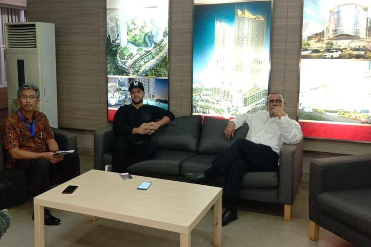Maher Zain dalam jumpa pers acara meet & greet bersama Maher Zain yang diselenggarakan di Atrium Mall Pesona Square, Depok, Jawa Barat, Rabu (20/3/2019).