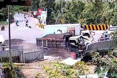 Video Viral Detik-detik Dump Truck Seruduk Mobil Boks hingga Tabrak Pagar Rumah Warga di Lombok Tengah