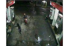 Aksi Perampok Bersenjata di SPBU Terekam Kamera CCTV