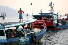 Lima Kapal Pengawas Kawal Nelayan di Laut Natuna Utara