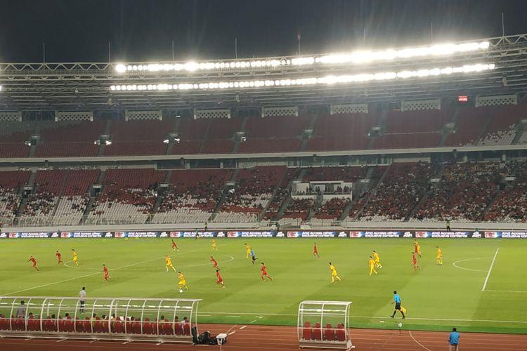 Pertandingan antara timnas U-16 Indonesia vs China berlangsung di Stadion Utama Gelora Bung Karno, Jakarta, Minggu (22/9/2019) malam.(BolaSport/Mohammad Robbani)