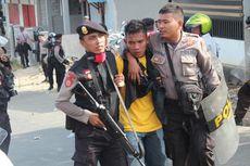 Mahasiswa dan Polisi Bentrok di Kampus Unidar