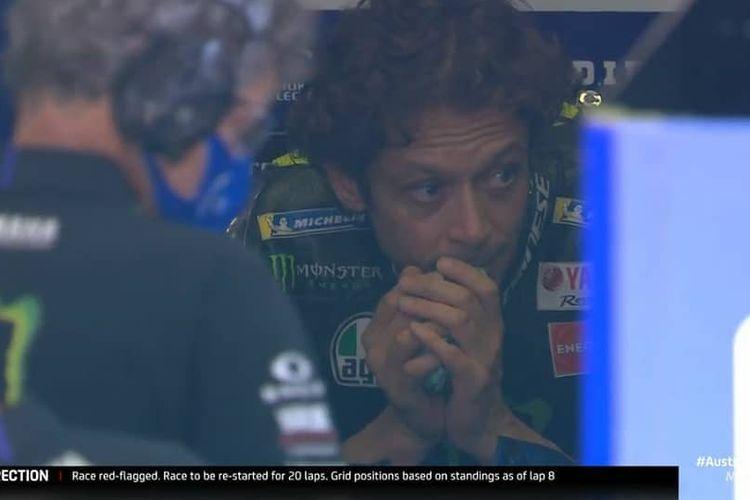 Valentino Rossi hampir tersambar motor di MotoGP Austria 2020(MotoGP)