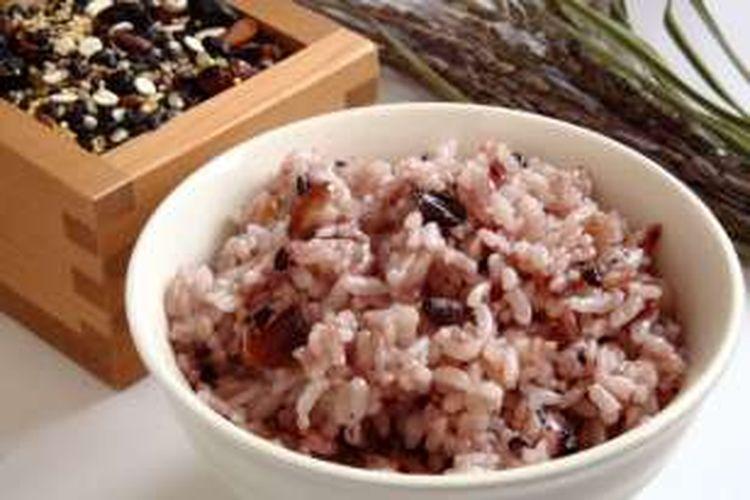 Ilustrasi nasi merah.