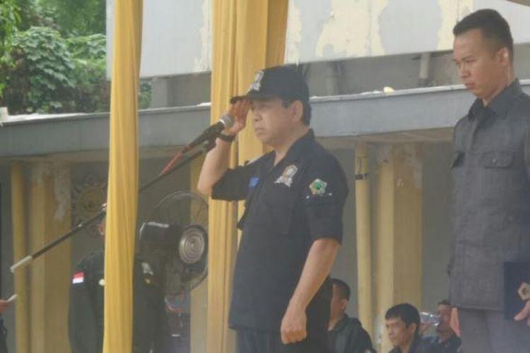 Ketua Umum Partai Golkar Setya Novanto saat memimpin upacara penyerahan Brigade Beringin  oleh Korbid Polhukam Partai Golkar Yorrys Raweyai di Kantor DPP Partai Golkar, Slipi, Jakarta Barat, Jumat (10/3/2017).