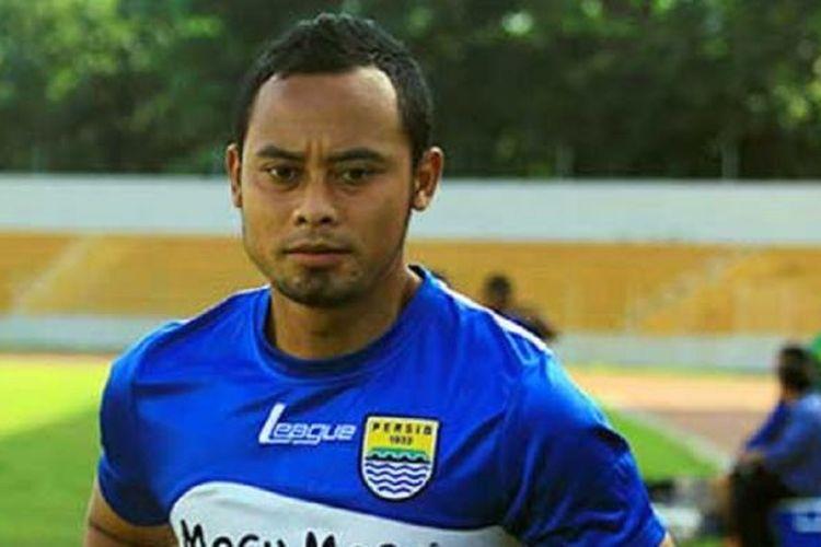 Kapten Persib Bandung Atep Rizal.