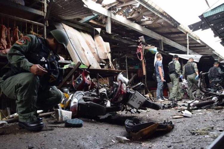 Bom sepeda motor meledak di sebuah pasar tradisional, di Yala, Thailand, Senin (22/1/2018), pukul 06.00 waktu setempat. Sebanyak tiga orang tewas dan 18 orang lainnya terluka akibat insiden tersebut. (Bangkok Post)