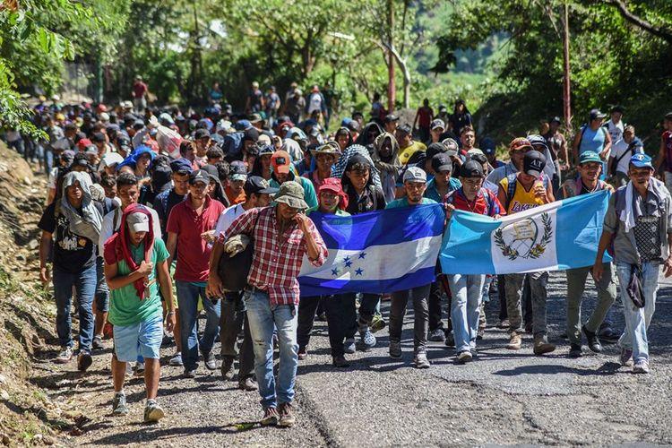 Rombongan migran asal Honduras yang berjalan menuju perbatasan AS dan akan bergabung dengan iring-iringan migran dari Guatemala dan El Salvador.