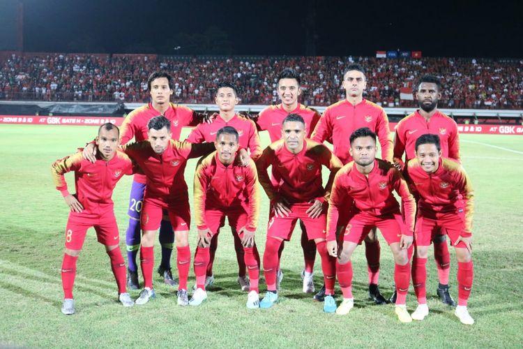 Skuad timnas Indonesia jelang laga keempat kualifikasi Piala Dunia 2022 Zona Asia Grup G melawan Vietnam di Stadion Kapten I Wayan Dipta, Giantar, Bali, Selasa (15/10/2019) malam.