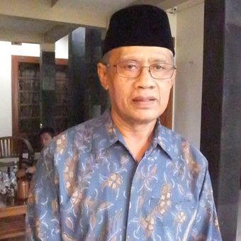 Ketua Umum PP Muhammadiyah Haedar Nashir di Rumahnya Bantul Senin (3/2/2020)