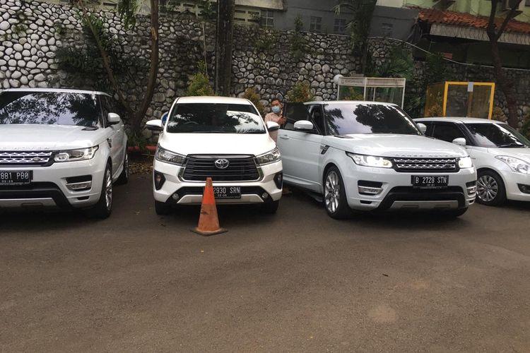 Penyitaan aset lima unit mobil mewah milik IWS, tersangka korupsi PT Asabri.
