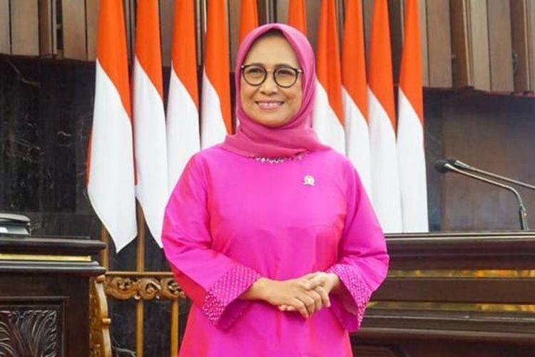 Ketua Umum Kesatuan Perempuan Partai Golkar (KPPG) Hetifah Sjaifudian mengapresiasi langkah Presiden Joko Widodo yang akan memberikan satu posisi menteri untuk perempuan dari Partai Golkar untuk periode 2019-2024