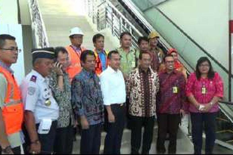 Menhub Budi Karya Sumadi saat kunjungan kerja ke terminal baru bandara Depati Amir Pangkalpinang, Jumat (2/9/2016).