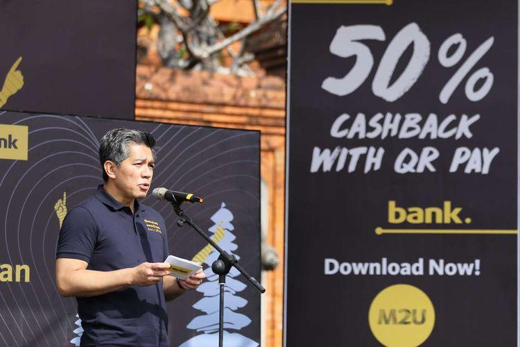 Presiden Direktur Maybank Indonesia Taswin Zakaria saat peresmian program CSR untuk masyarakat Bali, sebagai bagian gelaran lomba lari internasional Maybank Marathon Bali 2019.
