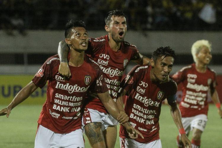 Lerby Eliandry, Stefano Lilipaly, Fadil Sausu, dalam laga Barito Putera vs Bali United dihelat di Stadion Demang Lehman, Martapura, Jumat (6/3/2020) malam WIB, pada pekan kedua Shopee Liga 1 2020.