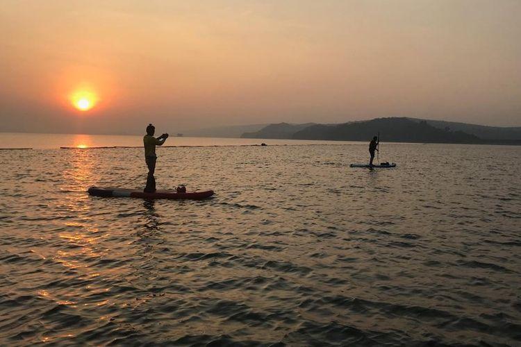 The 1st Jatiluhur Stand Up Paddle and Kayak Exhibition akan digelar di Teluk Pantai Timur kawasan Waduk Jatiluhur, Purwakarta, Jawa Barat.