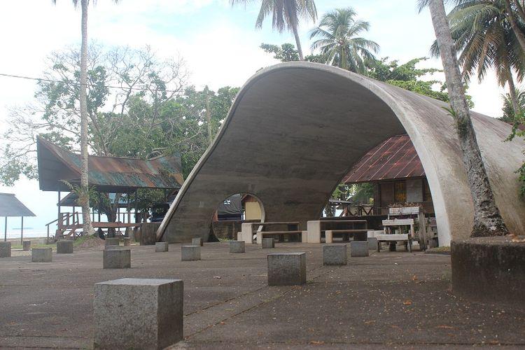 Tim ekspedisi Bumi Cenderawasih Mapala UI mengunjungi obyek wisata Goa Jepang di Biak Numfor, Papua Barat. Ekspedisi Bumi Cenderawasih bertujuan untuk menyingkap potensi wisata di Papua Barat.