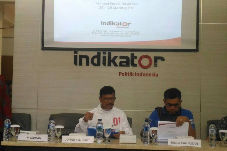 Indikator Politik Indonesia saat jumpa pers hasil survei per Maret 2019, Rabu (3/4/2019).
