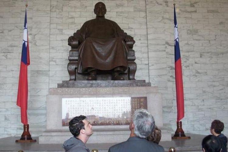 Chiang Kai-shek Memorial Hall di Taipei, Taiwan.
