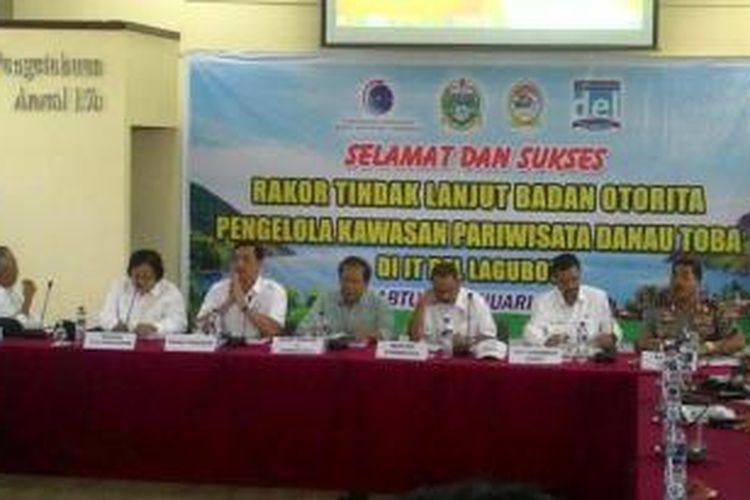 Sejumlah Menteri Menggelar Rakor Pengembangan Pariwisata Danau Toba di Institut DEL Teknologi,  Toba Samosir (Tobasa), Sumatera Utara, Sabtu (9/1/2016)