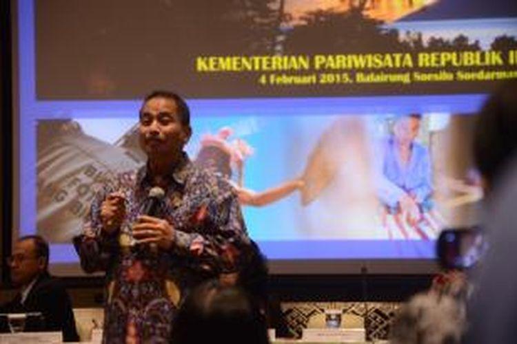 Menteri Pariwisata Arief Yahya jumpa pers soal laporan wisman Desember 2014 di Balairung Soesilo Soedirman, Kementrian Pariwisata, Jakarta, Selasa (4/2/2015).