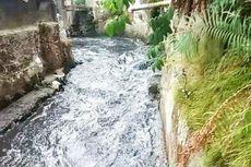 Dua Rumah Roboh akibat Terkiris Arus Deras Sungai Citepus Bandung